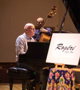 Portland Story Theater's jazz duo, Rogéri, plays at every show